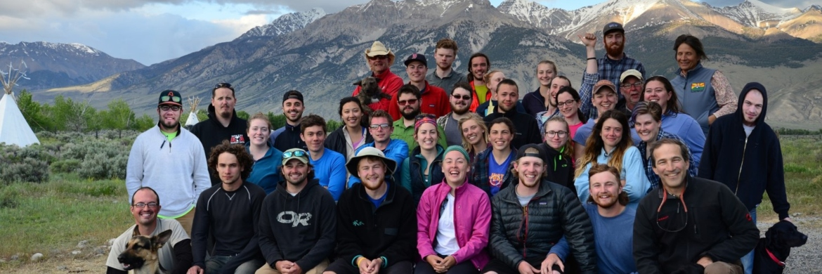 Group picture of the 2015 Field camp students in front of mountain range