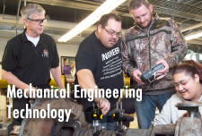 Students in the Mechanical Engineering  Technology Lab