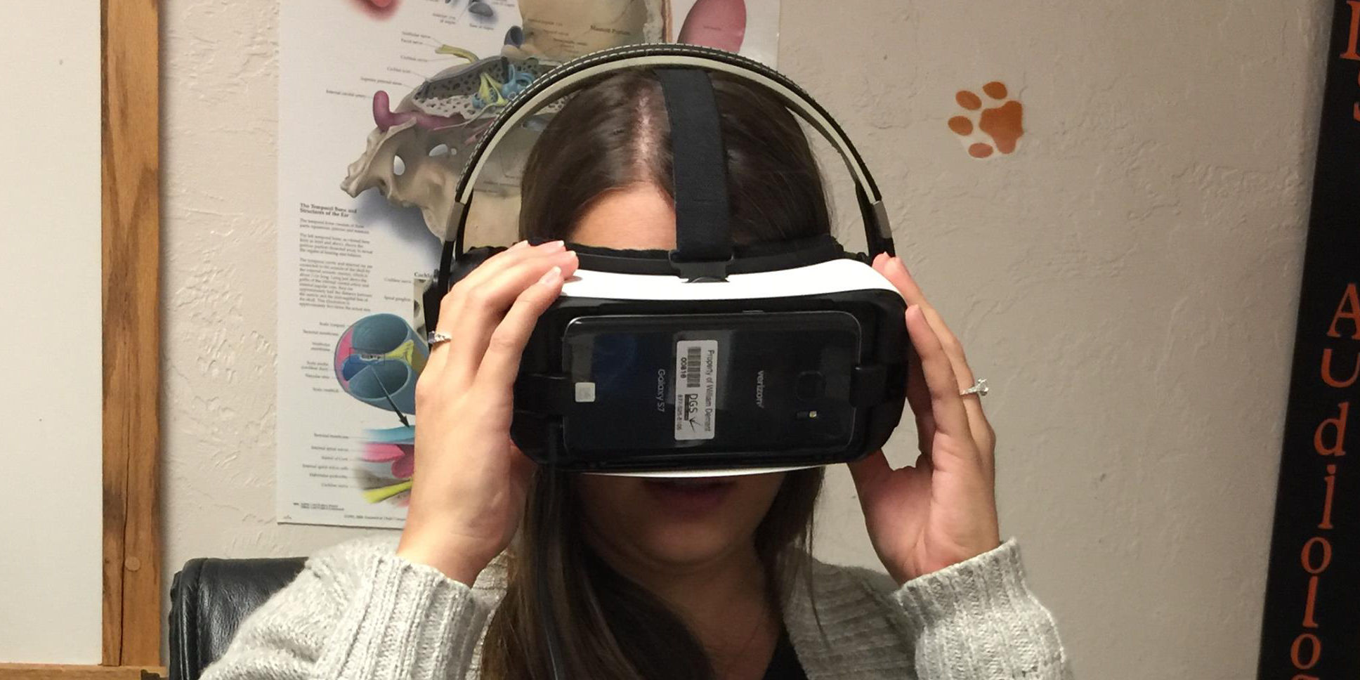 SAA Students test out virtual reality audiologic rehabilitation software.