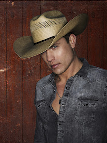 ISU presents country singer Dustin Lynch April 25 at the Stephens Performing Arts Center