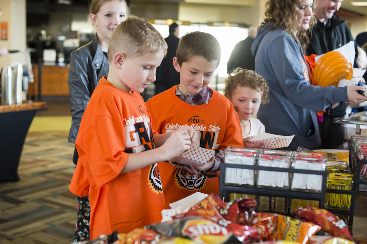 Young Bengals enjoy dinner at the annual Celebrate Idaho State event