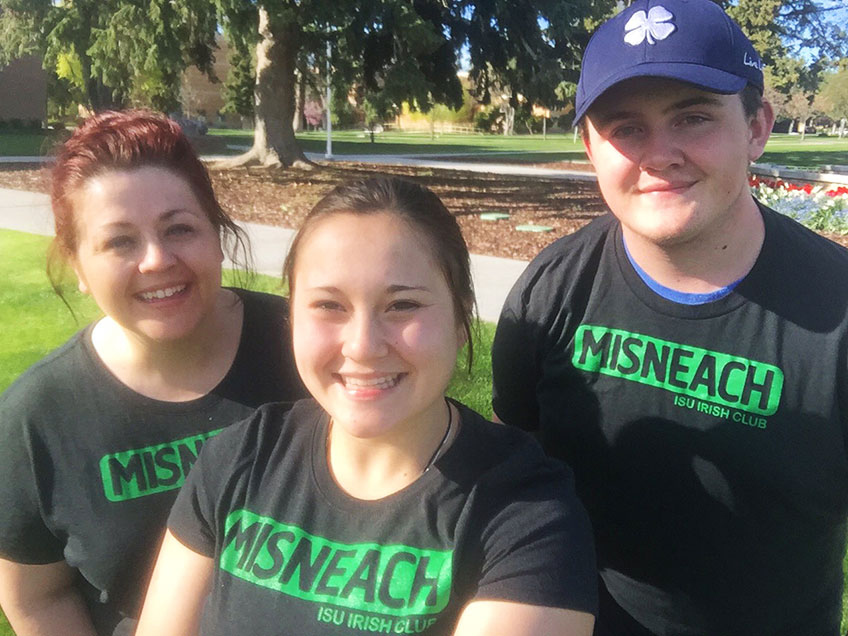 Members of ISU Irish Club in Misneach t-shirts